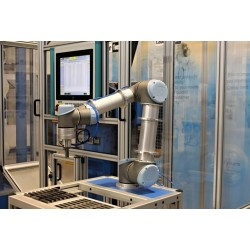 Automated robotic workstations for notch toughness tests